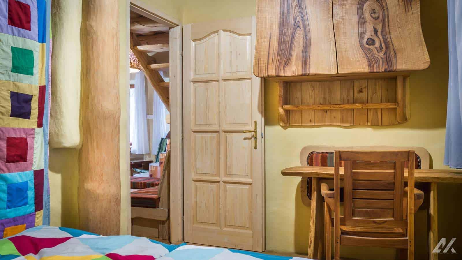 Kismélyvölgyi Vendégház - földszinti árnyas hálószoba - apartman Pécs