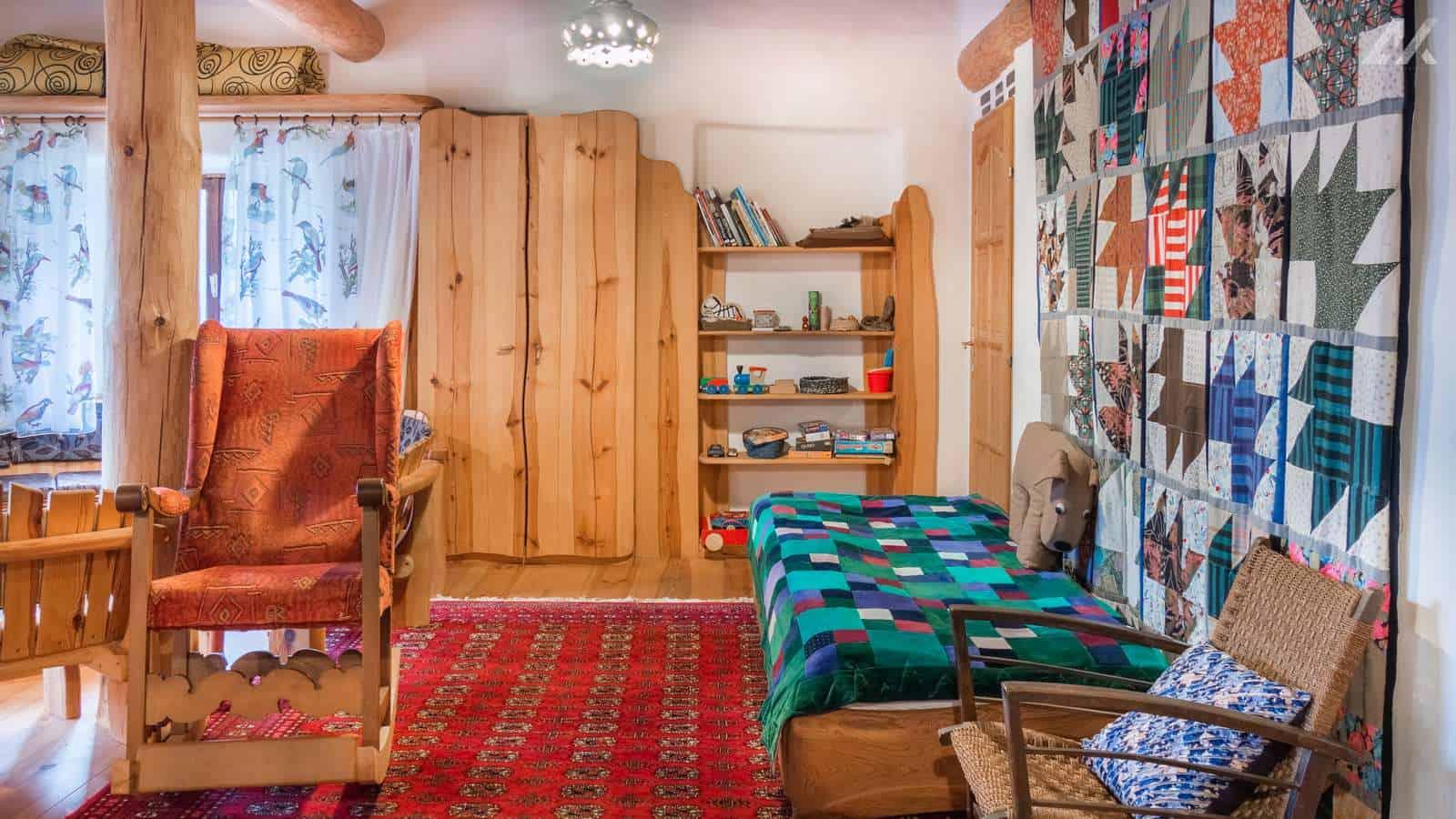 Kismélyvölgyi Vendégház - emeleti nappali - apartman Pécs