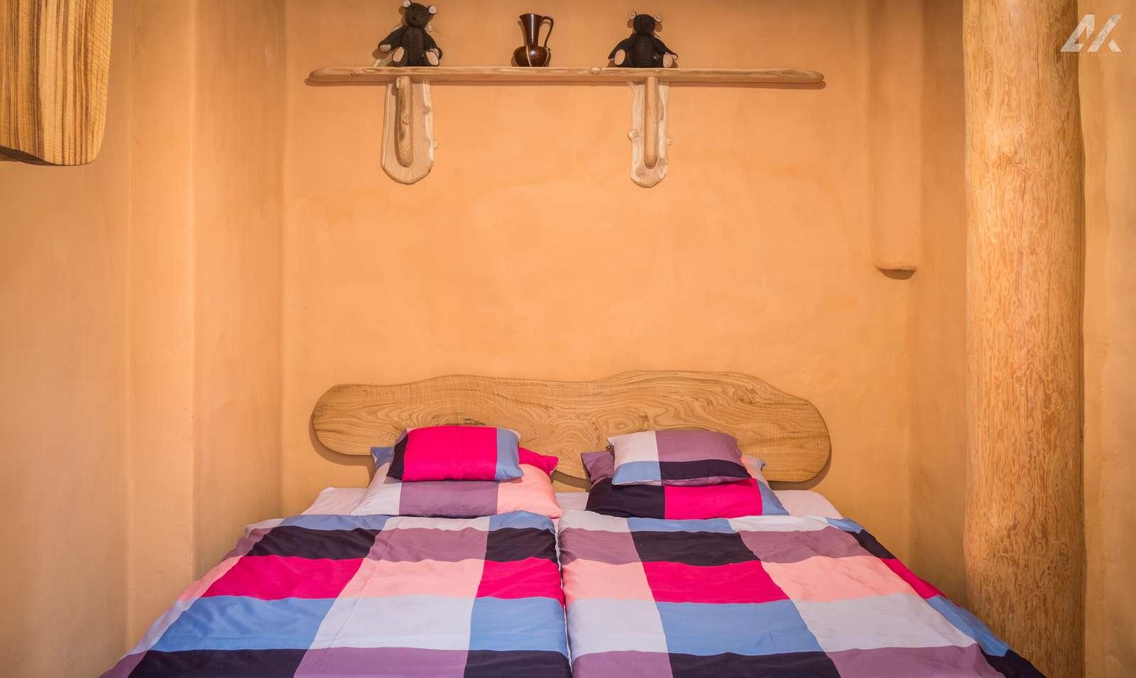 Kismélyvölgyi Vendégház - földszinti napos hálószoba - szállás Pécs